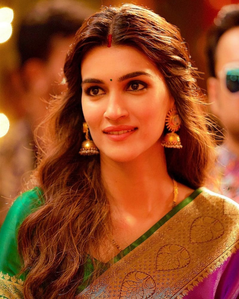 15 Top Bollywood Actresses Who, You Didn't Know, Also