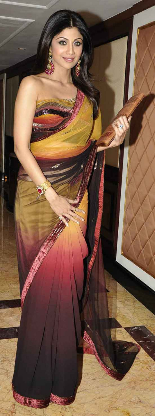 19 Awesome Pics of Shilpa Shetty in Saree - Beauty Epic