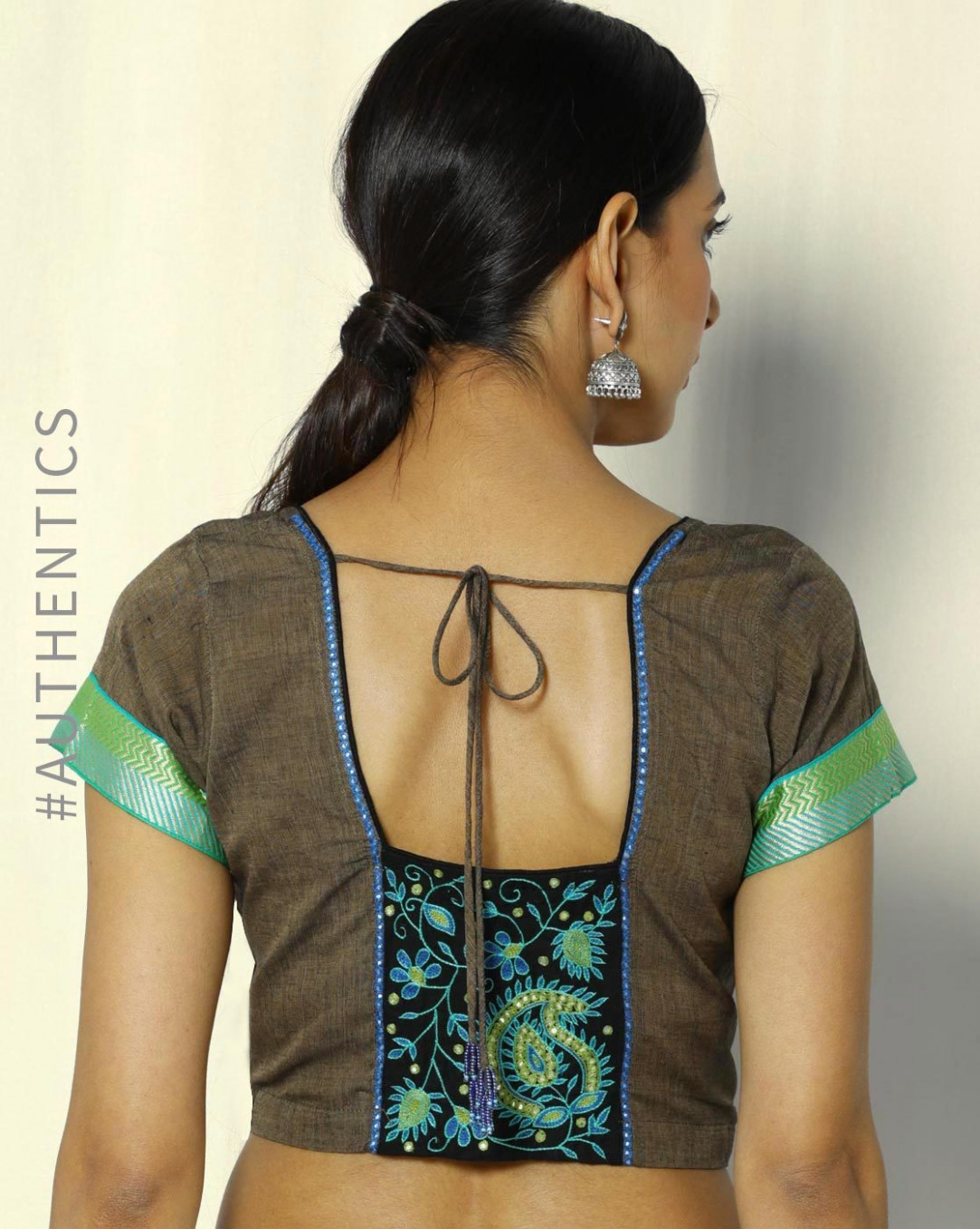 20 Simple Blouse Back Neck Designs For Cotton Sarees