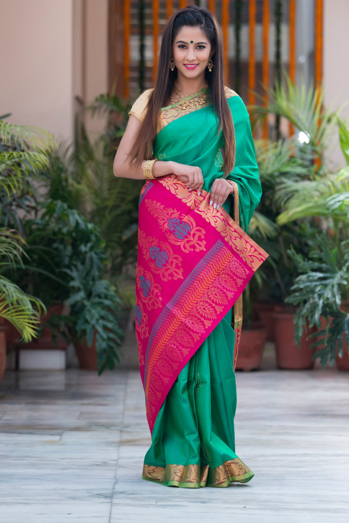 5-sarees that every woman must have in her wardrobe  Blah