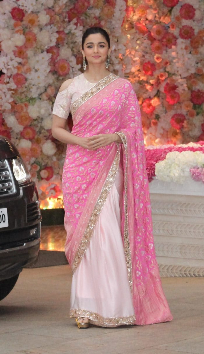 Alia Bhatt's Manish Malhotra Saree Has Us Wishing She'd