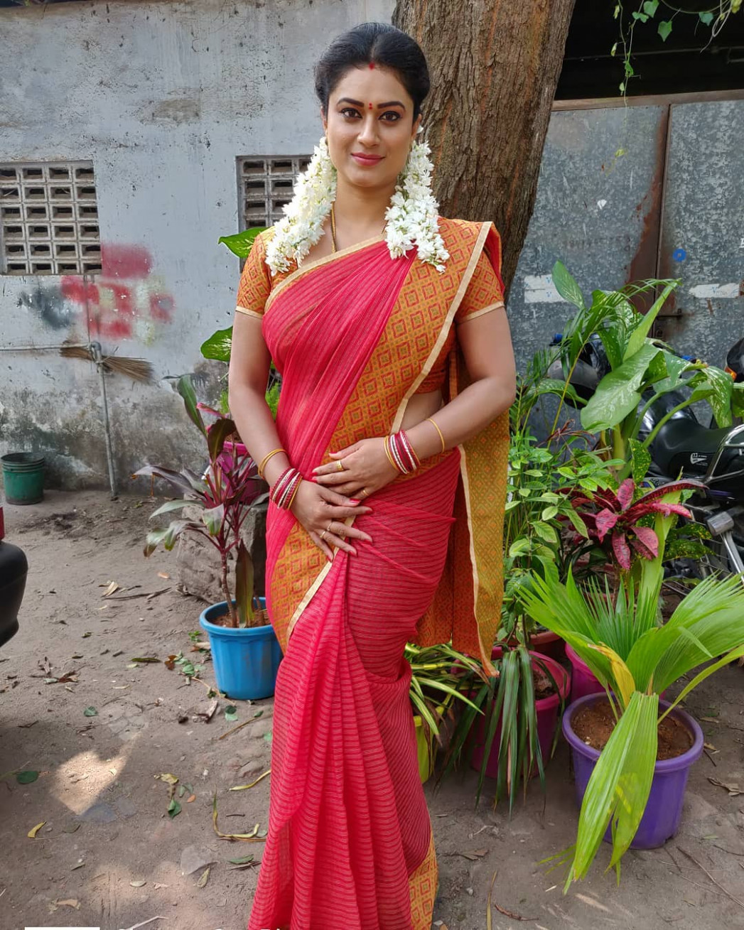 Amazing Indian Women in Saree- Greatest Photo Gallery!