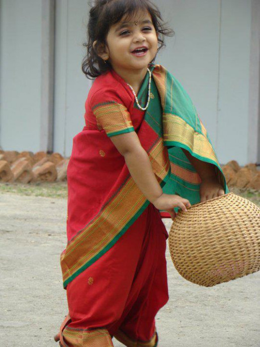 Babies Pictures: Babies Pictures in Saree Images of Baby