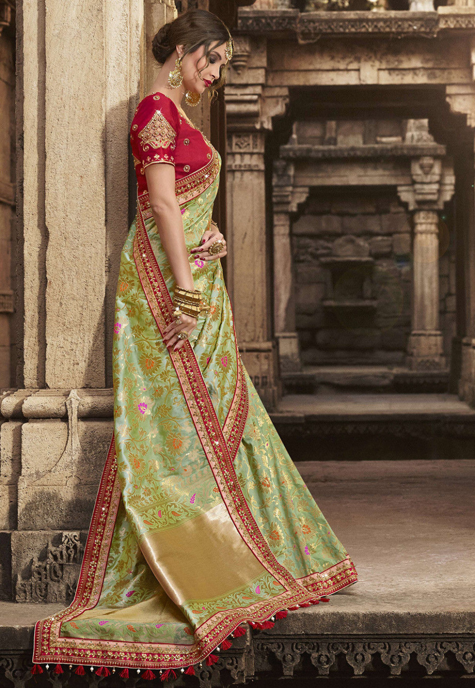 Banarasi Silk Saree in Green : SEW6444