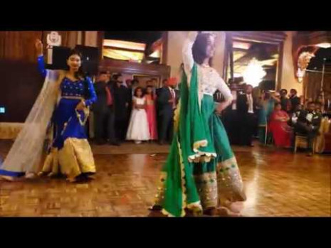 Best Wedding dance performance ever on Punjabi Songs by