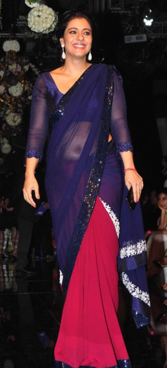 Bollywood Actresses Looks best in Navel Saree – Designer