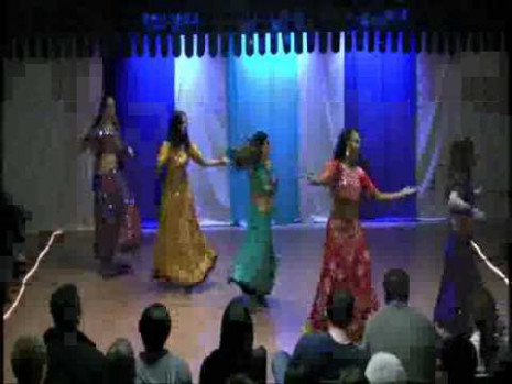 Bollywood/Bhangra Style Dancing - YouTube