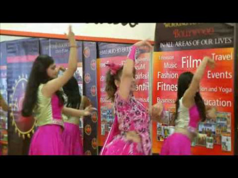 Bollywood Dance - Bollywood Routine - WeddingTV - YouTube