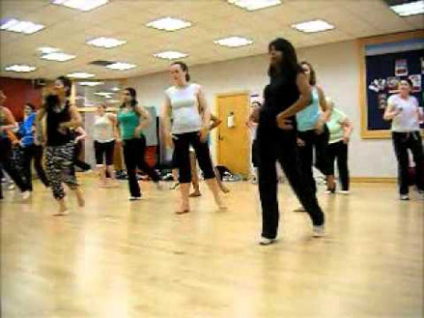 Bollywood Dance Classes @ Dancebuzz (Beginners & General