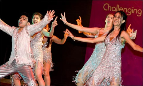 Bollywood Dance Styles In Movies ~ Fun World