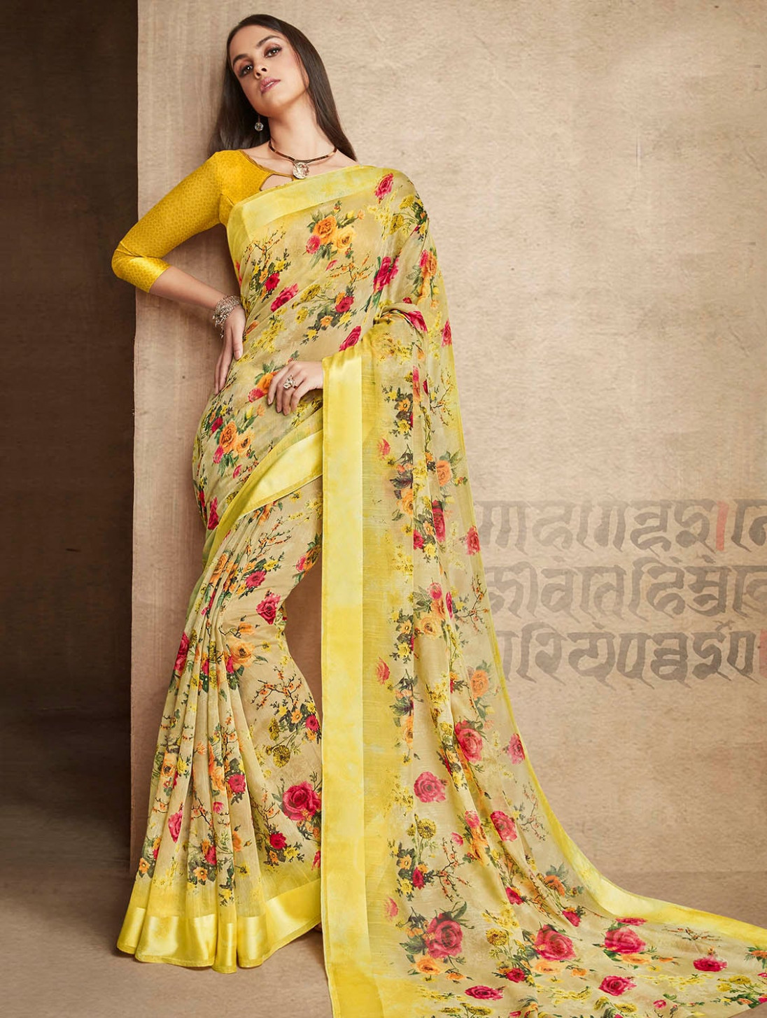 Buy online Ditsy Floral Printed Linen Saree With Blouse