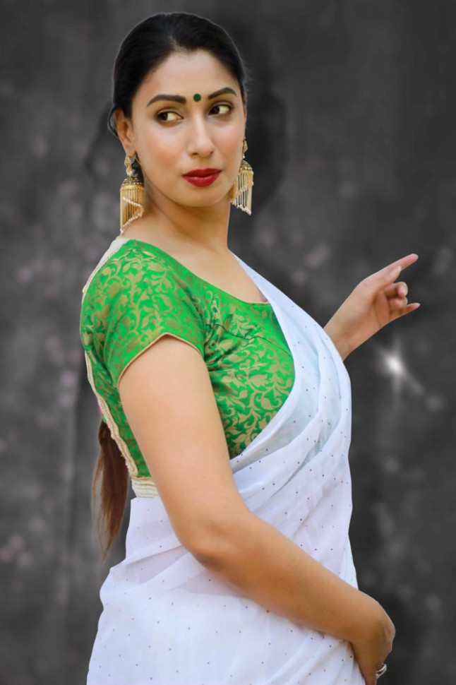 Buy readymade saree blouse online - green brocade blouse