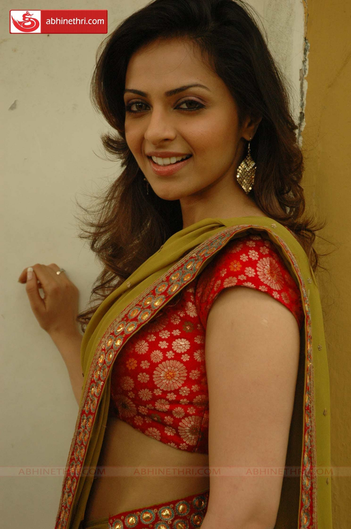 Cute Navel N Low Waist Saree - Page 36 - Xossip