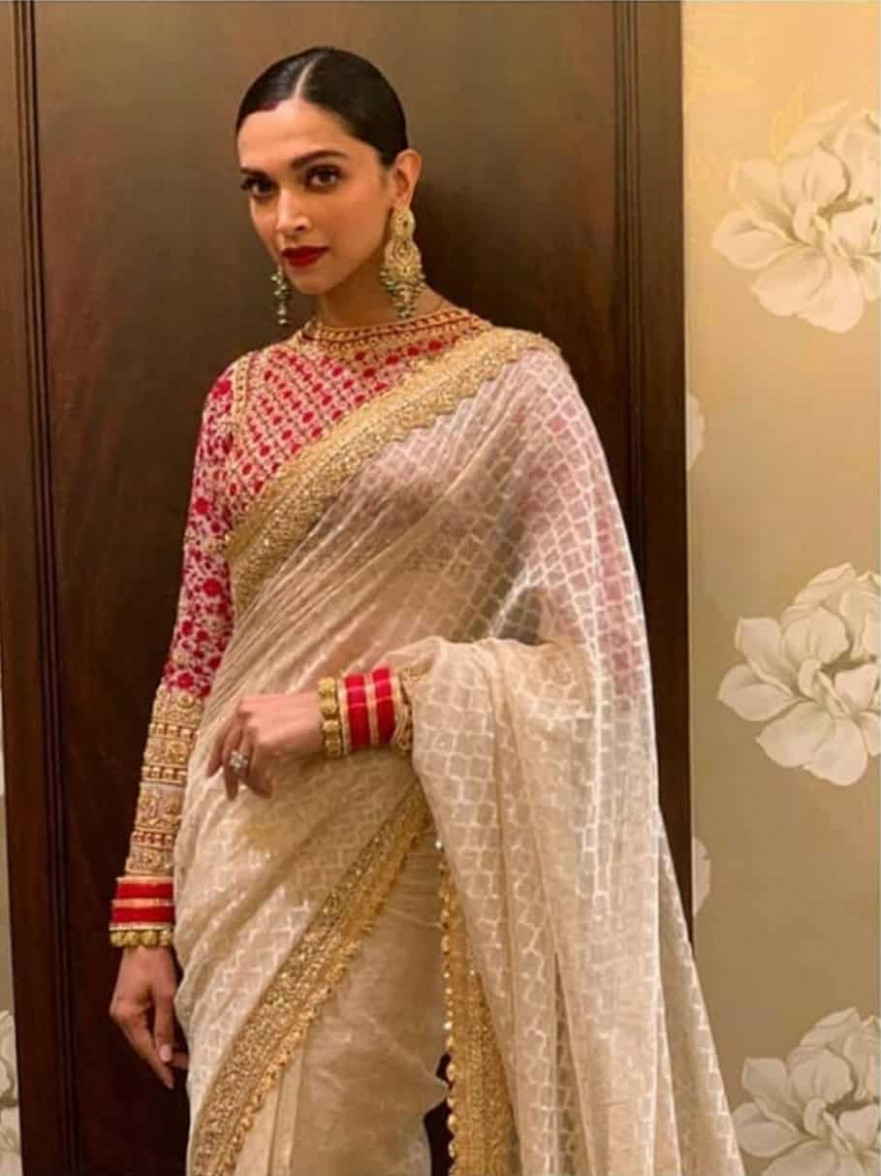 Deepika Padukone In Saree - 14 Latest Deepika Padukone