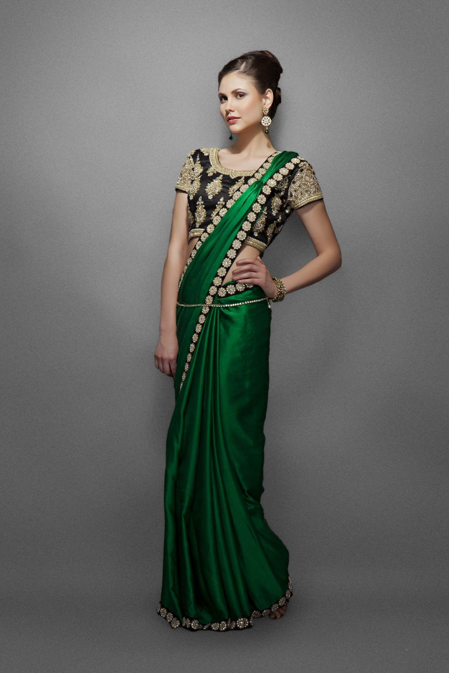 Emerald green sari with border & heavy blouse  Indian