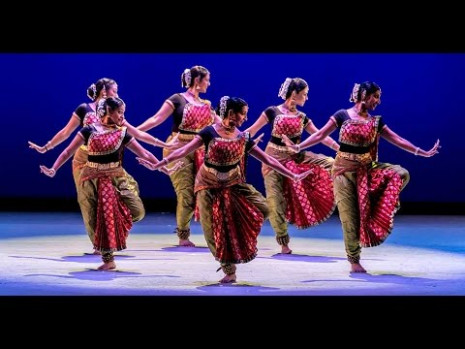 FAMOUS INDIAN DANCE!!! - YouTube