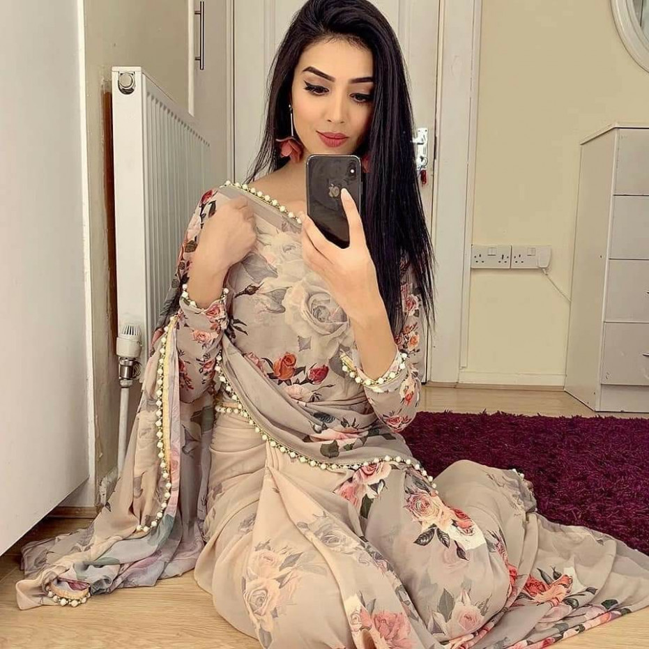 Floral saree, Women's Fashion, Clothes, Others on Carousell