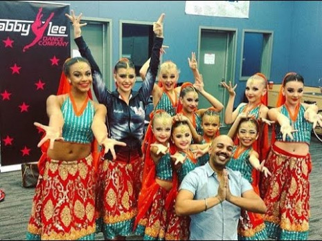 full dance Bollywood dreams Aldc - YouTube