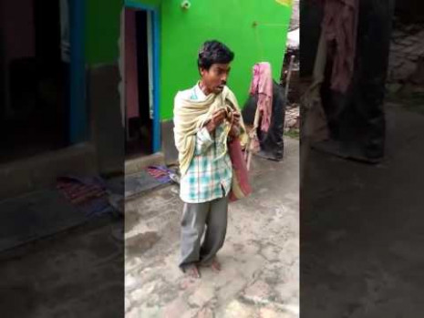 Funny guy in India singing and dancing too funny - YouTube
