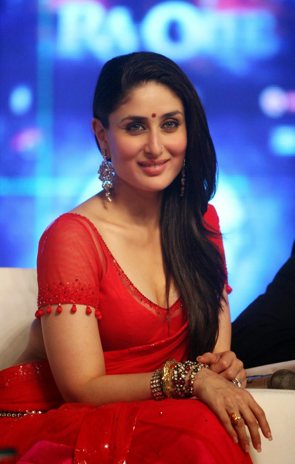 High Quality Bollywood Celebrity Pictures: Kareena Kapoor