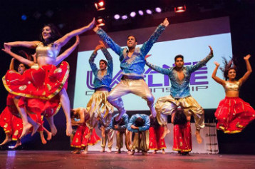 Hire / Book Bollywood Dancers & Bhangra Dancers