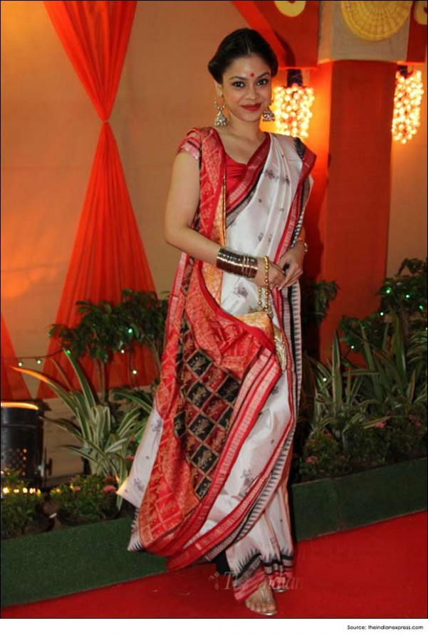 How to Drape Bengali Saree in 6 Simple Steps  Indian