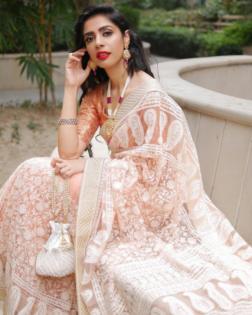 How To Look Stellar In Classic Chikankari Saree
