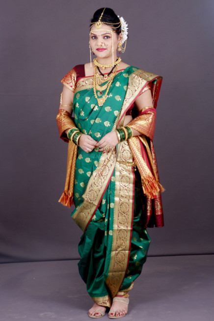 How to Wear a Maharashtrian Saree in 4 Different Types