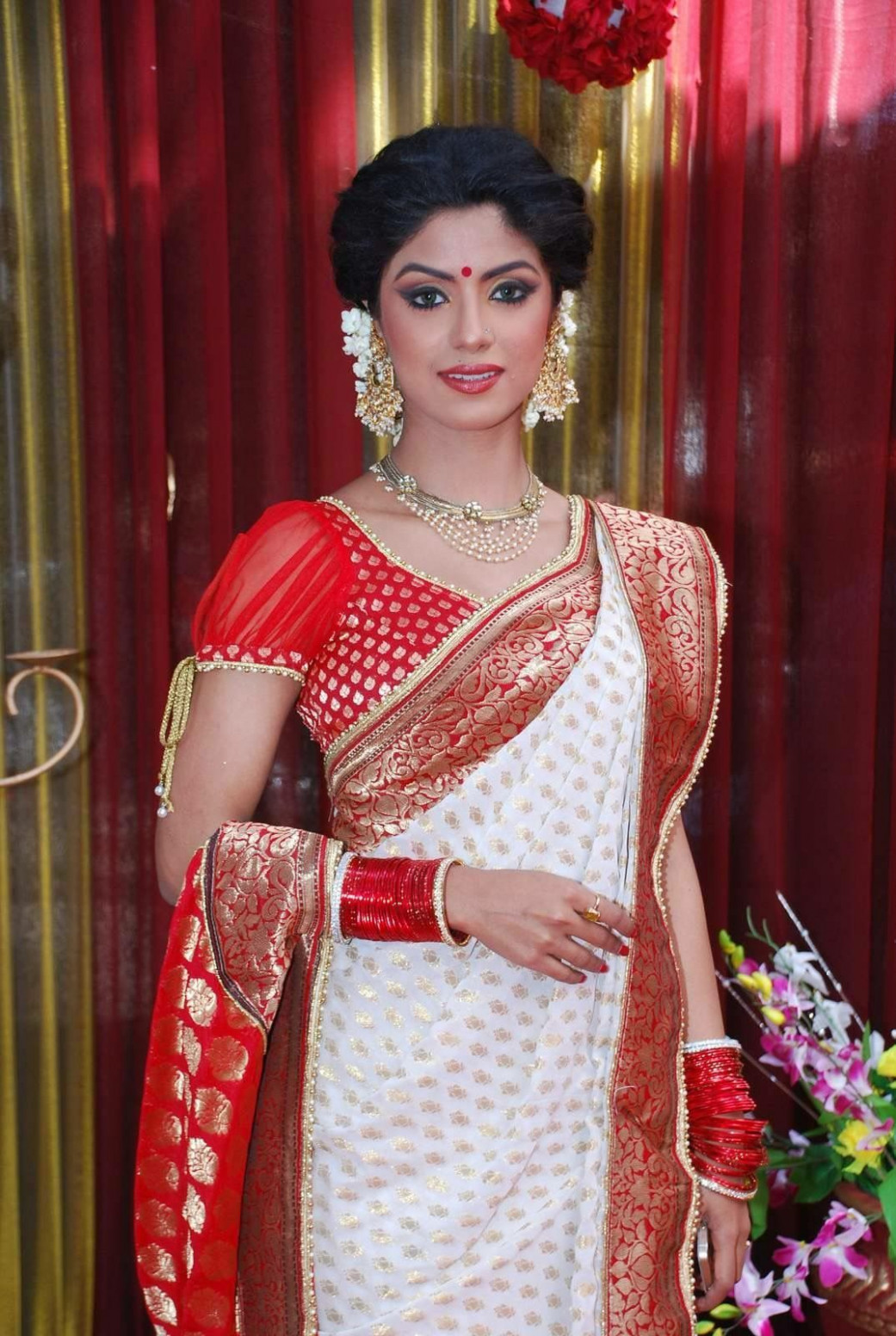 How to Wear Bengali Saree Step by Step Learn from Images