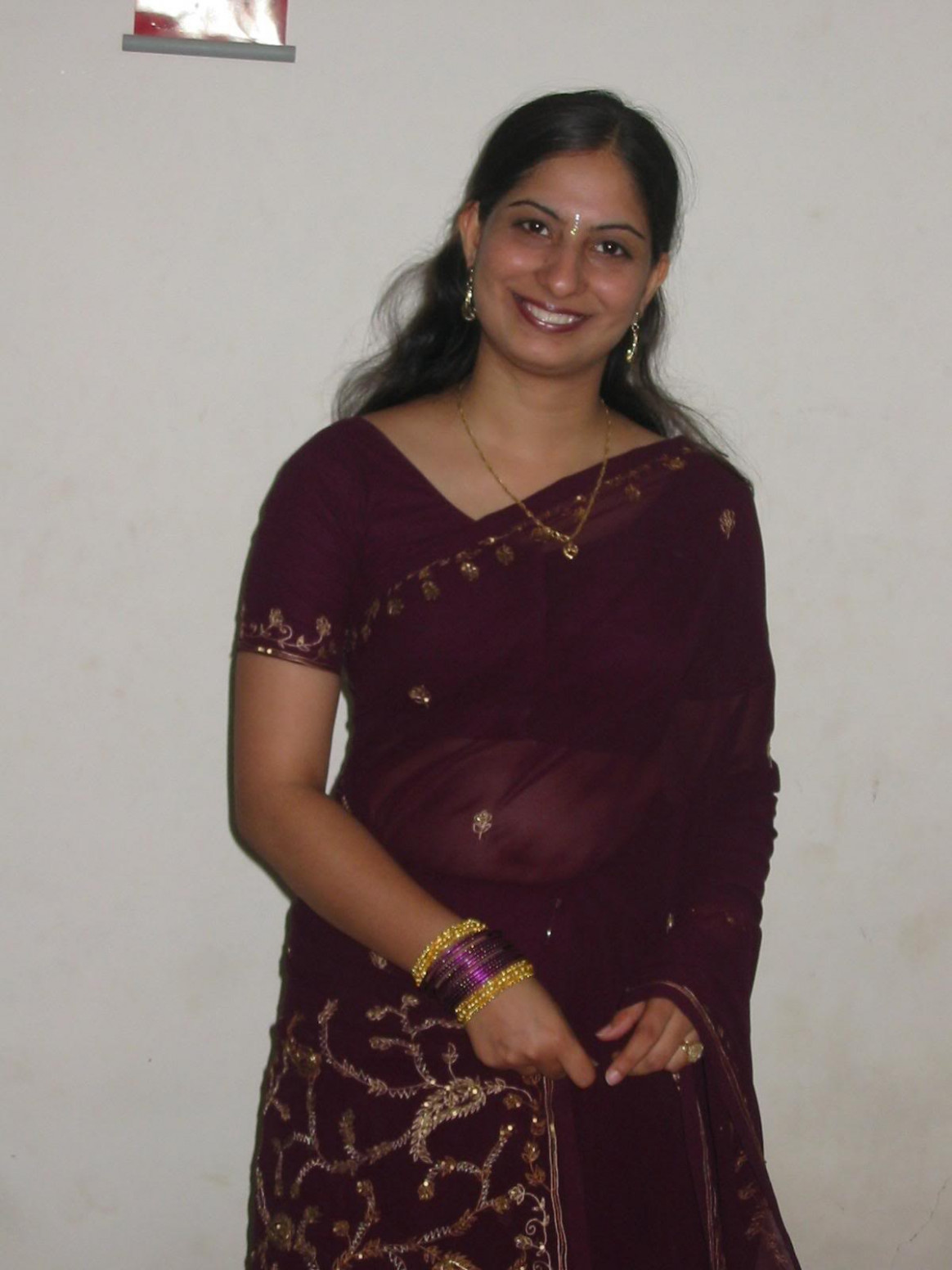 Indian aunties: Indian Aunty in sarees
