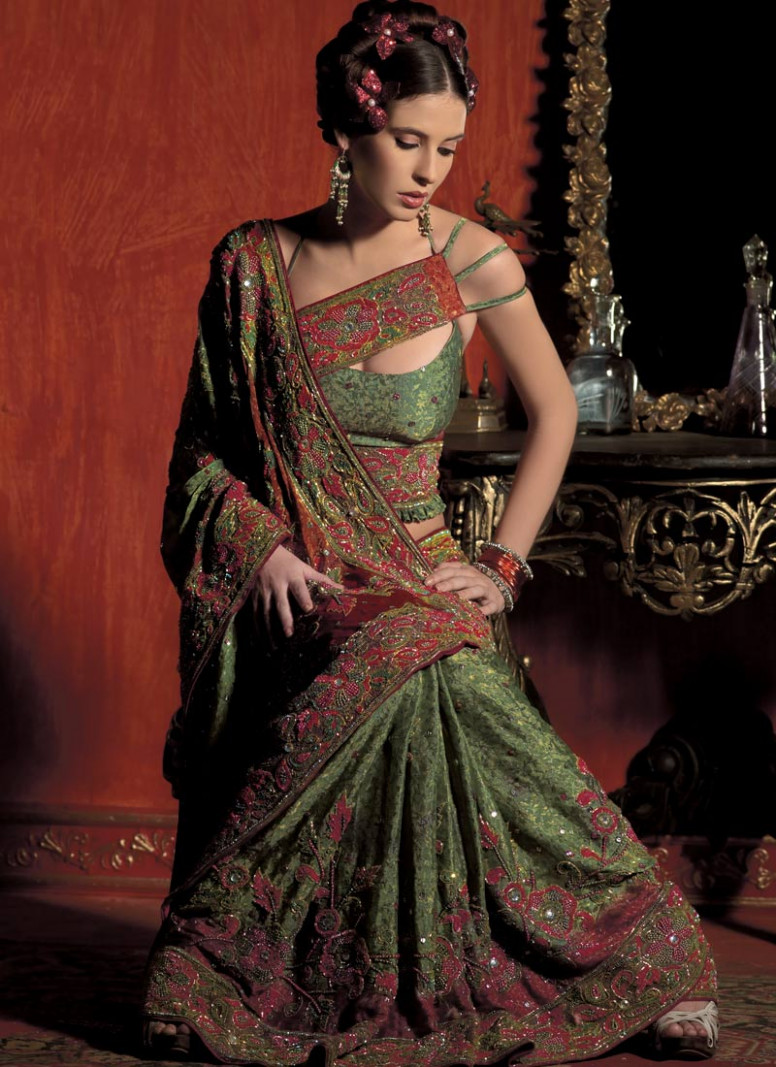 Indian Girls Models: Stylish Saree Blouse Designs for