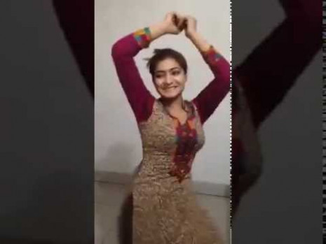 Indian hot college girl dance show whatsapp furnny videos