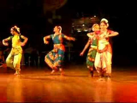 Indian traditional hindu dance routine 4 young girls