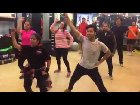 It's time to disco Bollywood Zumba Dancesong - YouTube