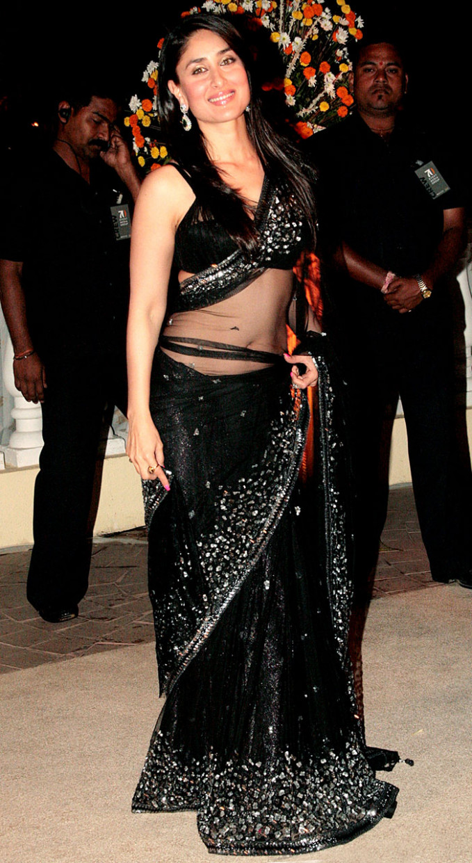 Kareena Kapoor Gorgeous In Transparent Saree Hot