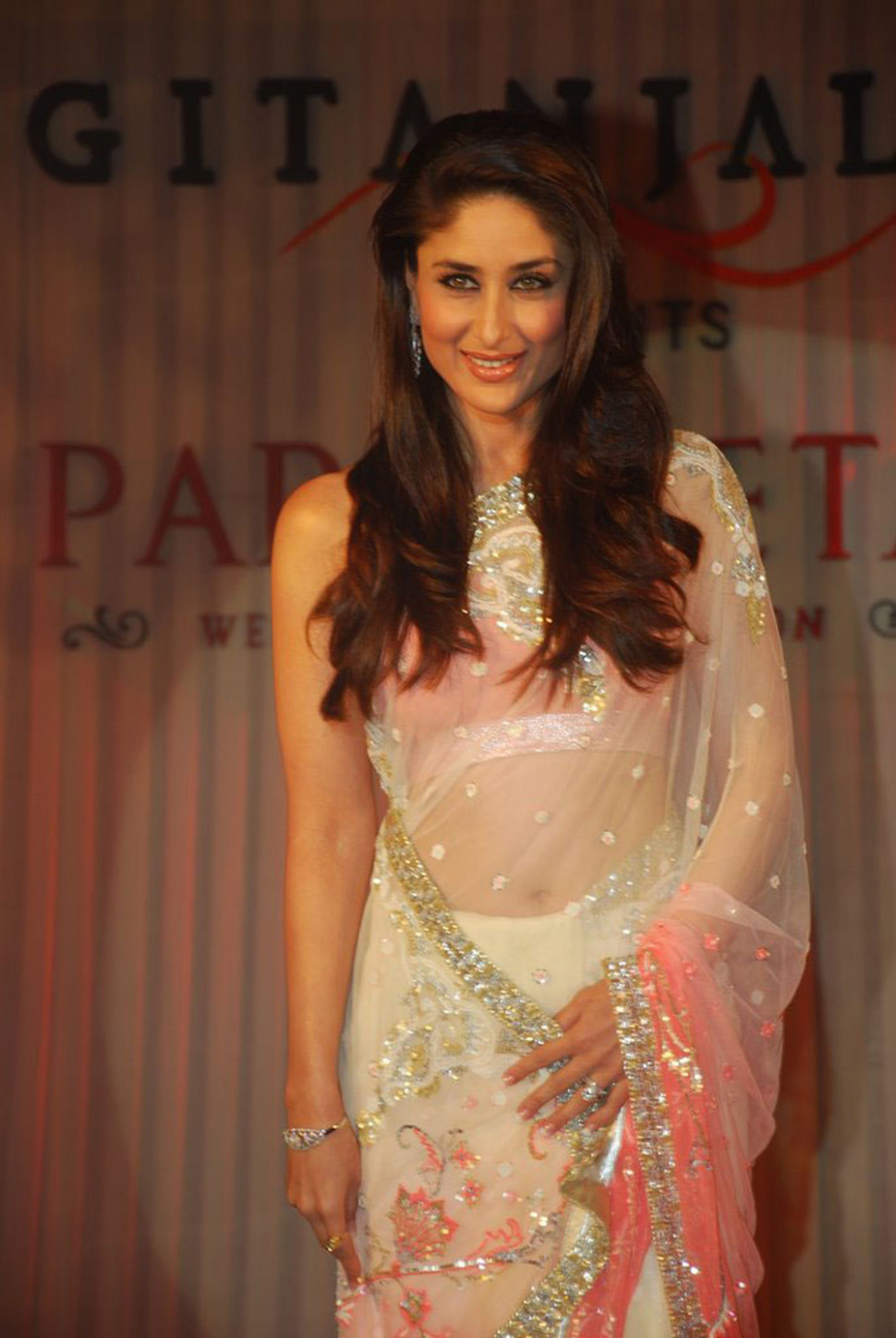 Kareena Kapoor - See Thru Saree  HQ Pics n Galleries