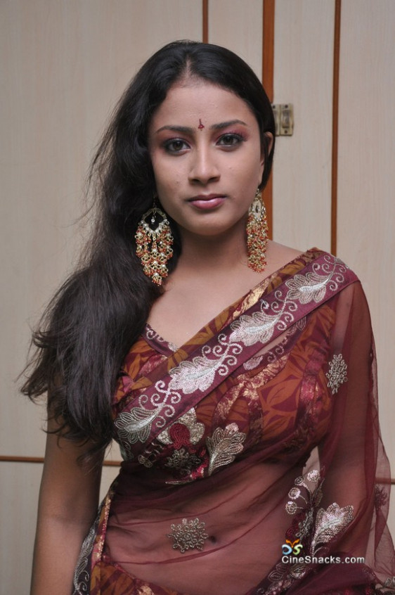 Kavusika Sexy Navel And Boobs In Transparent Saree