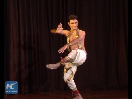 Male classical dancer in India - YouTube
