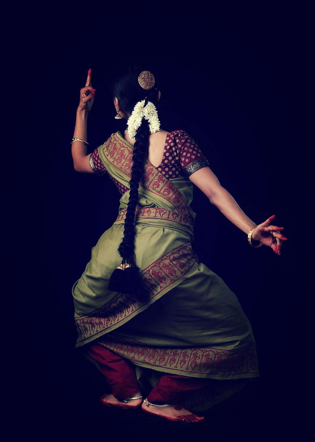 Maybe it's just me but Dance practice sarees are