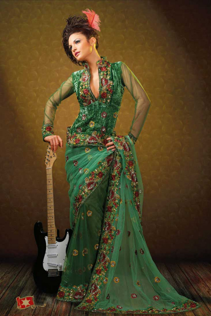 MEHANDI DESIGNS WORLD: INDIAN LATEST BLOUSES WITH SAREES
