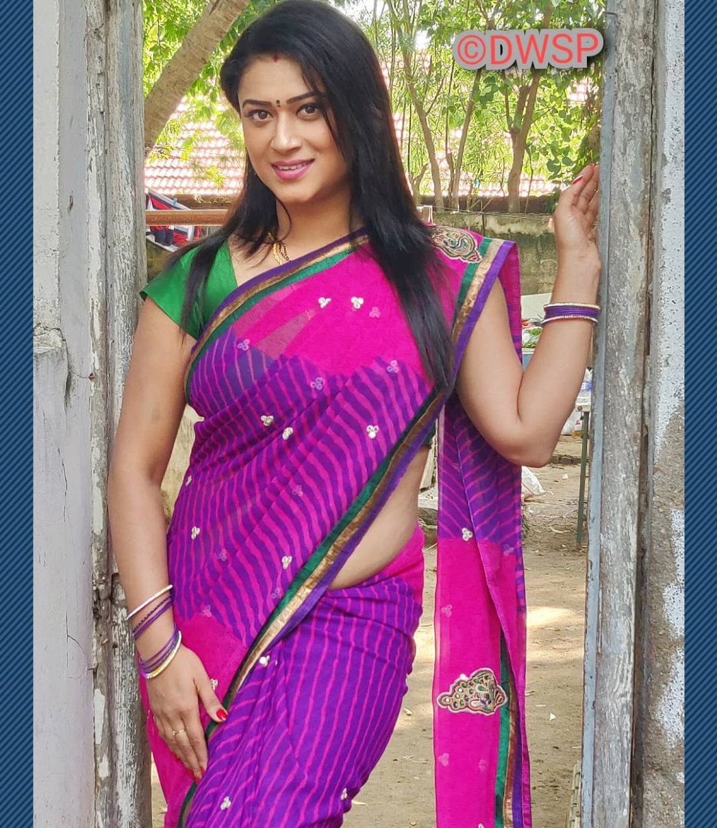 Pretty Indian Aunties in Saree- Photo Collection Part 1