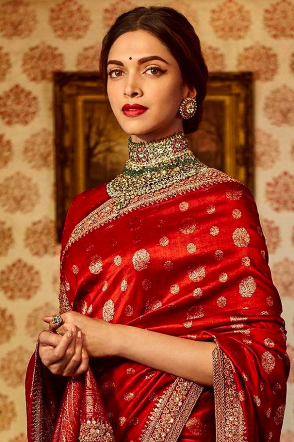 Red Colored Silk Fabric Designer Wear Beautiful Saree With