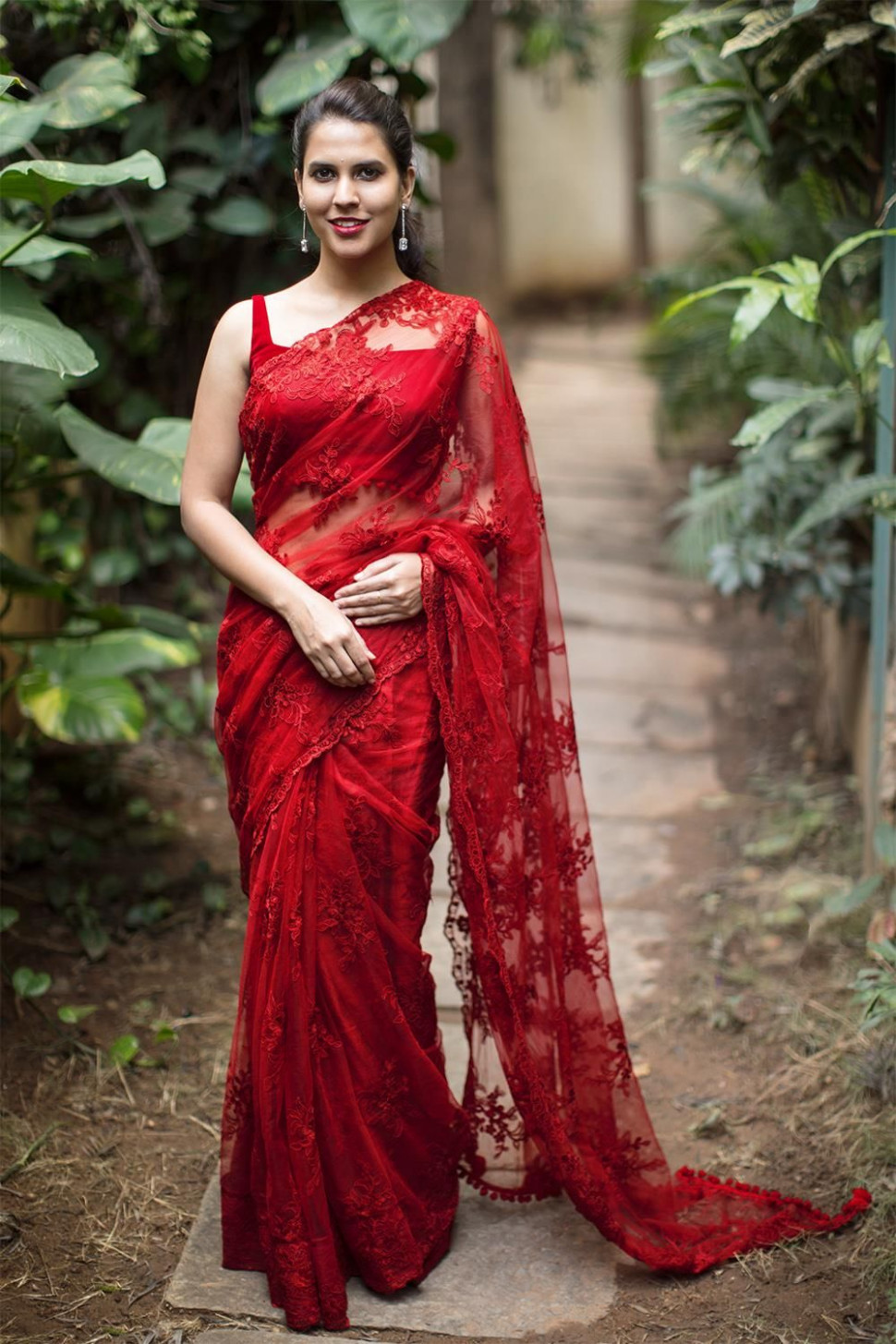 Red net with lacy self threadwork saree #saree #