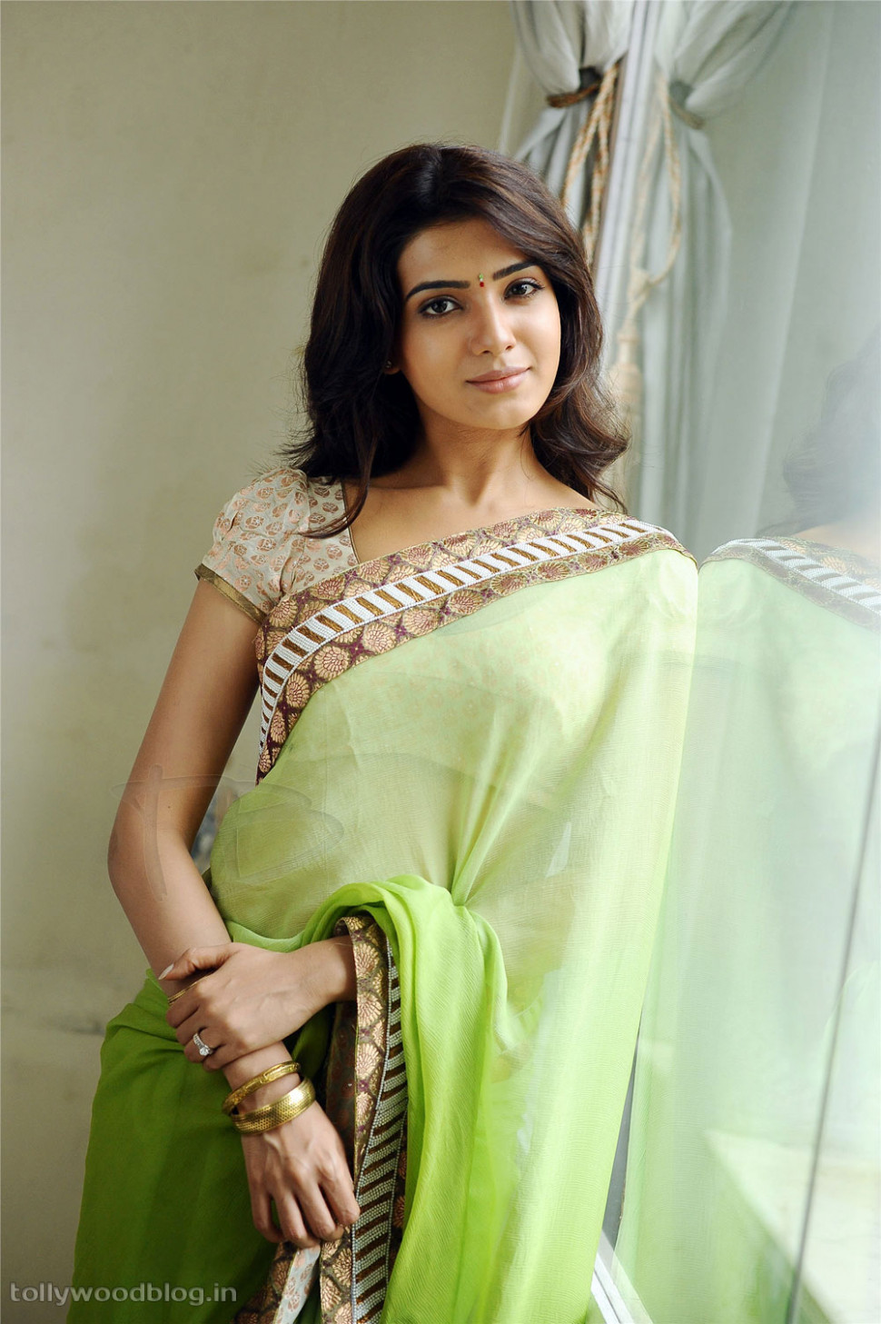 Samantha latest Gorgeous Looking Saree Photo Shoot Gallery