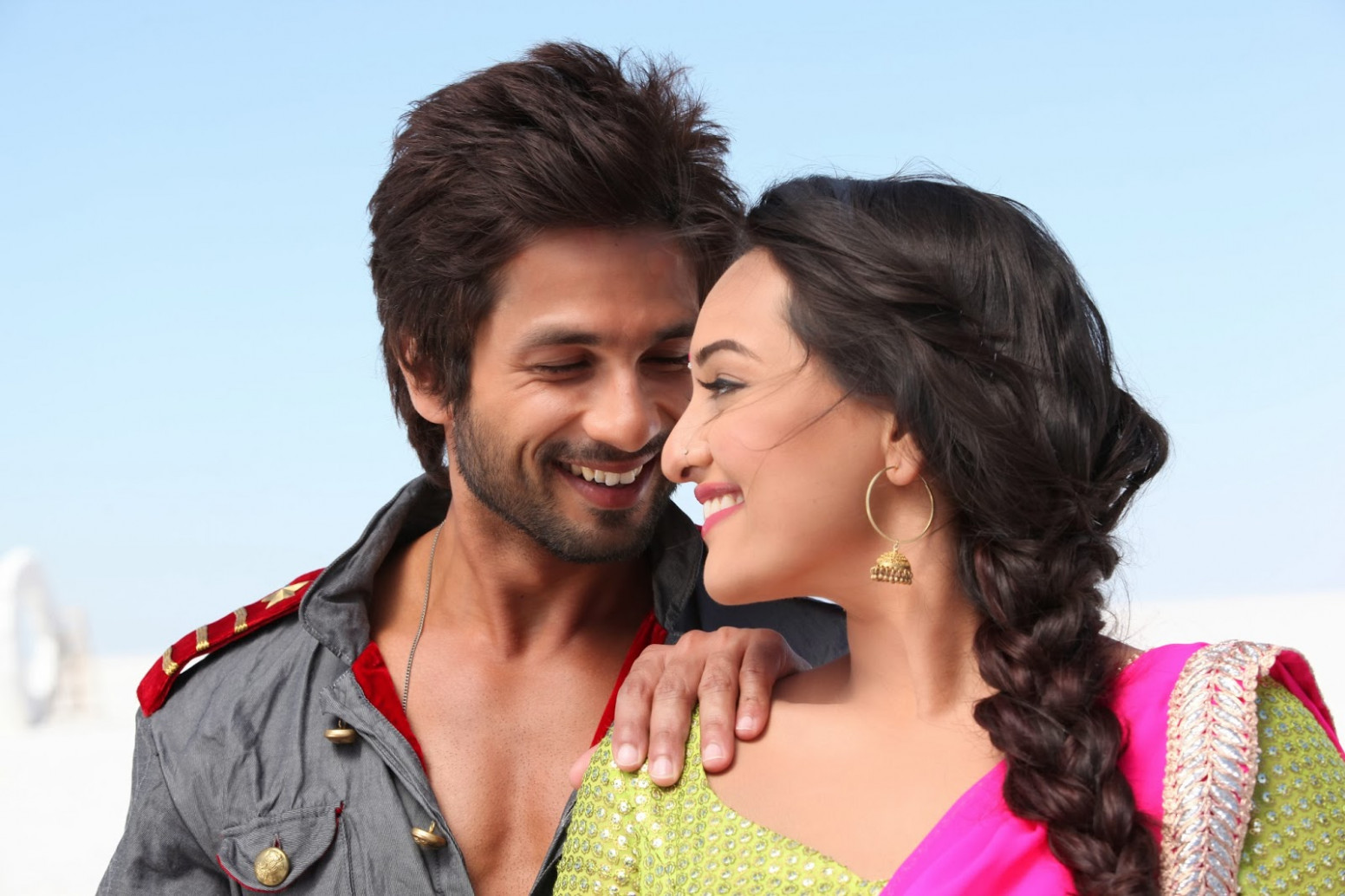 Saree Ke Fall Sa Song Lyrics - R Rajkumar - My Movies