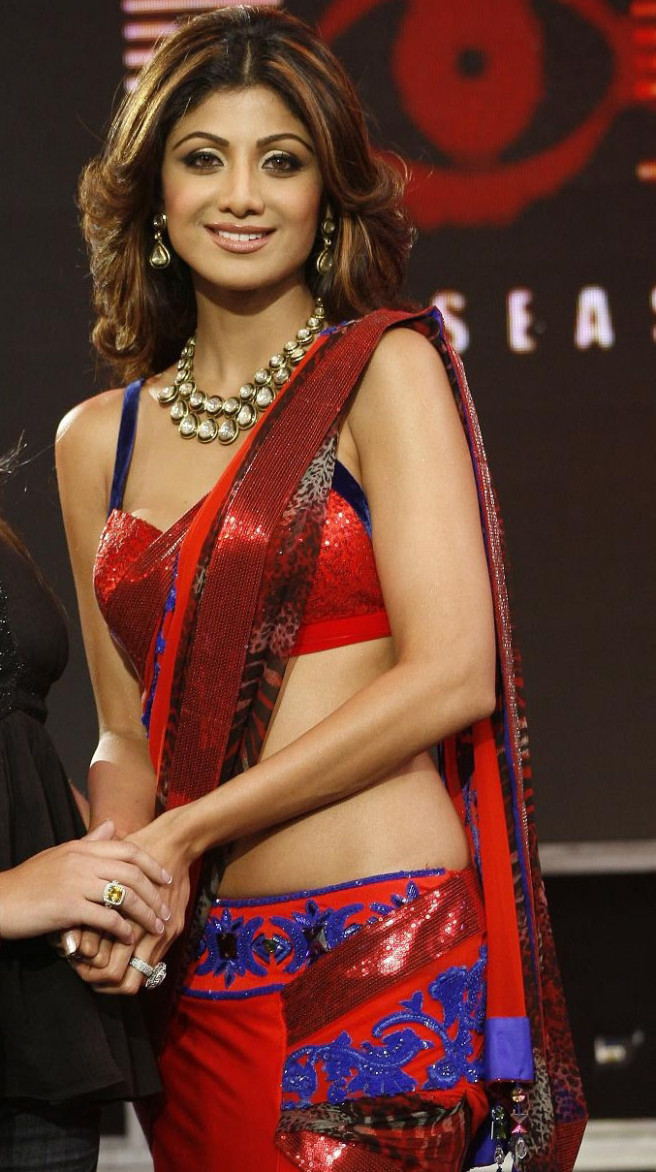 SHE FASHION CLUB: Shilpa Shetty In Saree