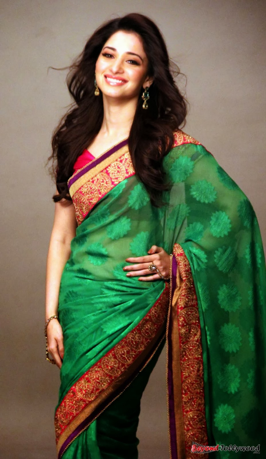 spicyimg: Tamanna Latest Saree Photoshoot Stills