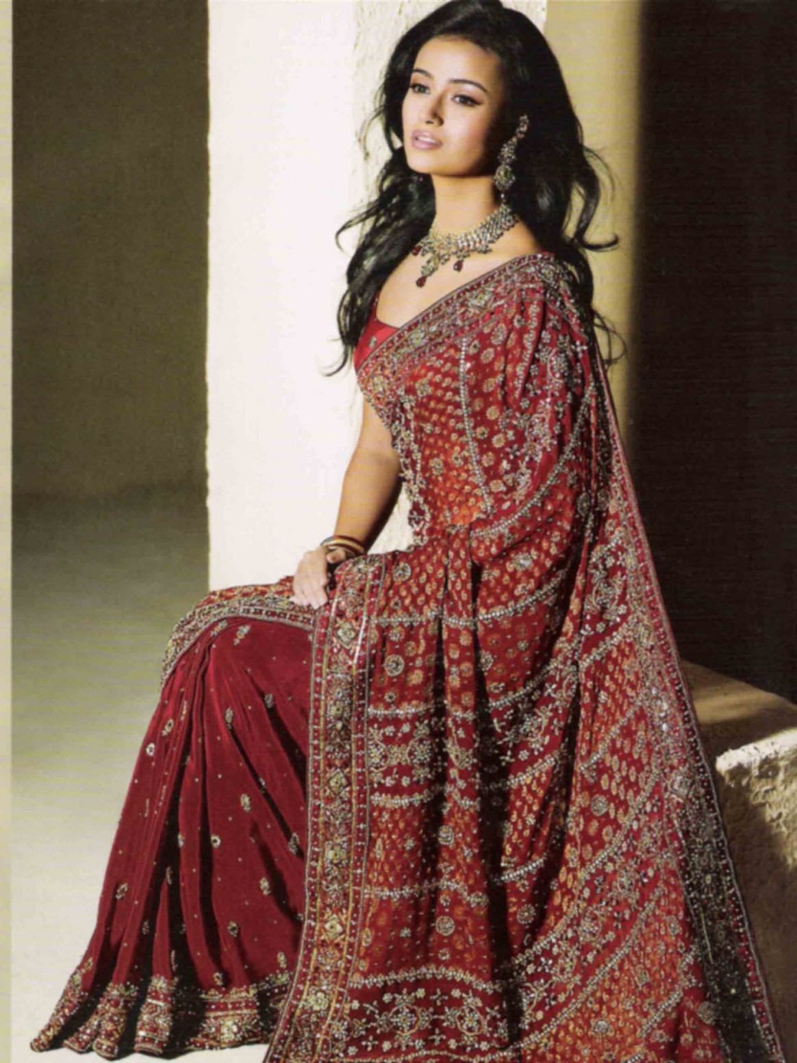 Sport: Saree : Most Popular Fashion in India