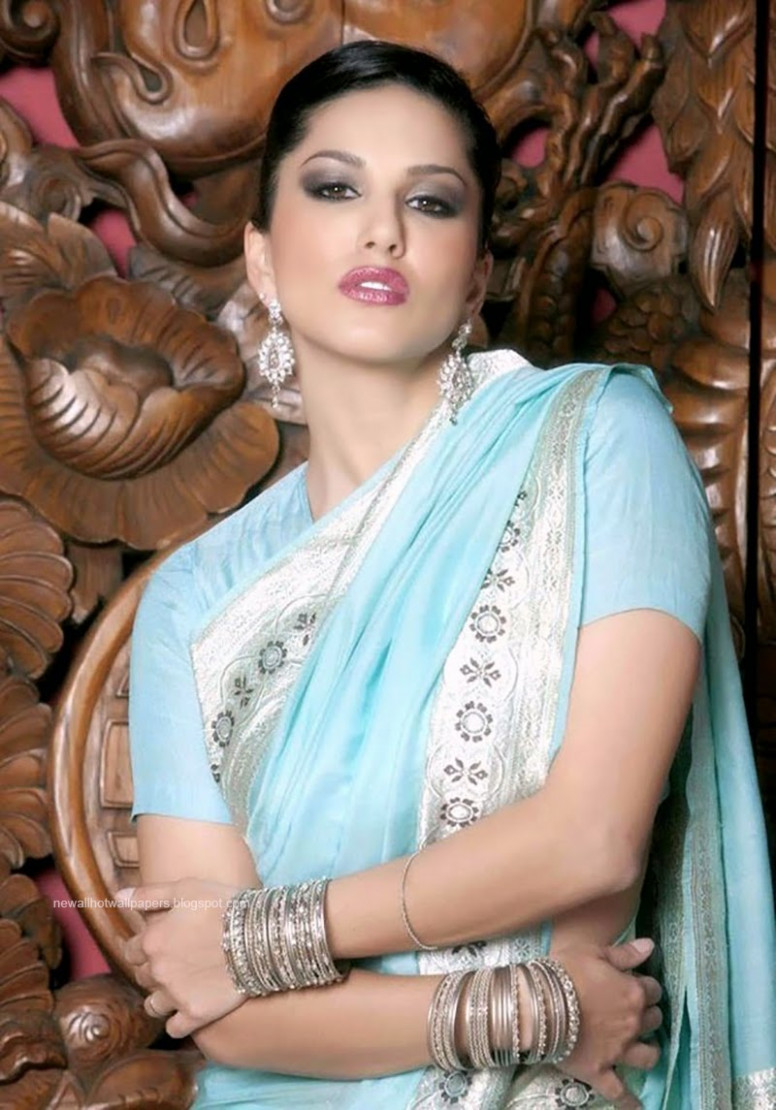 Sunny Leone Hot Wallpaper With Saree
