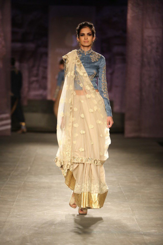 The Gujarati Style Saree Draping and Its Magnificent